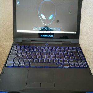 Dell Alienware M11X R2 / Core i7 / 4GB Ram / 500GB HDD / Laptop para juegos en caja