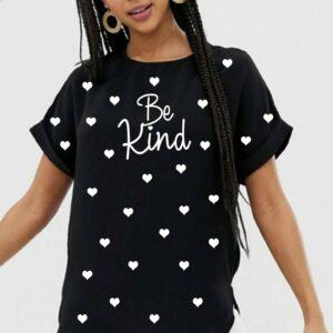Camiseta Be Kind Camiseta de lunares de corazón con eslóganes de moda para mujer